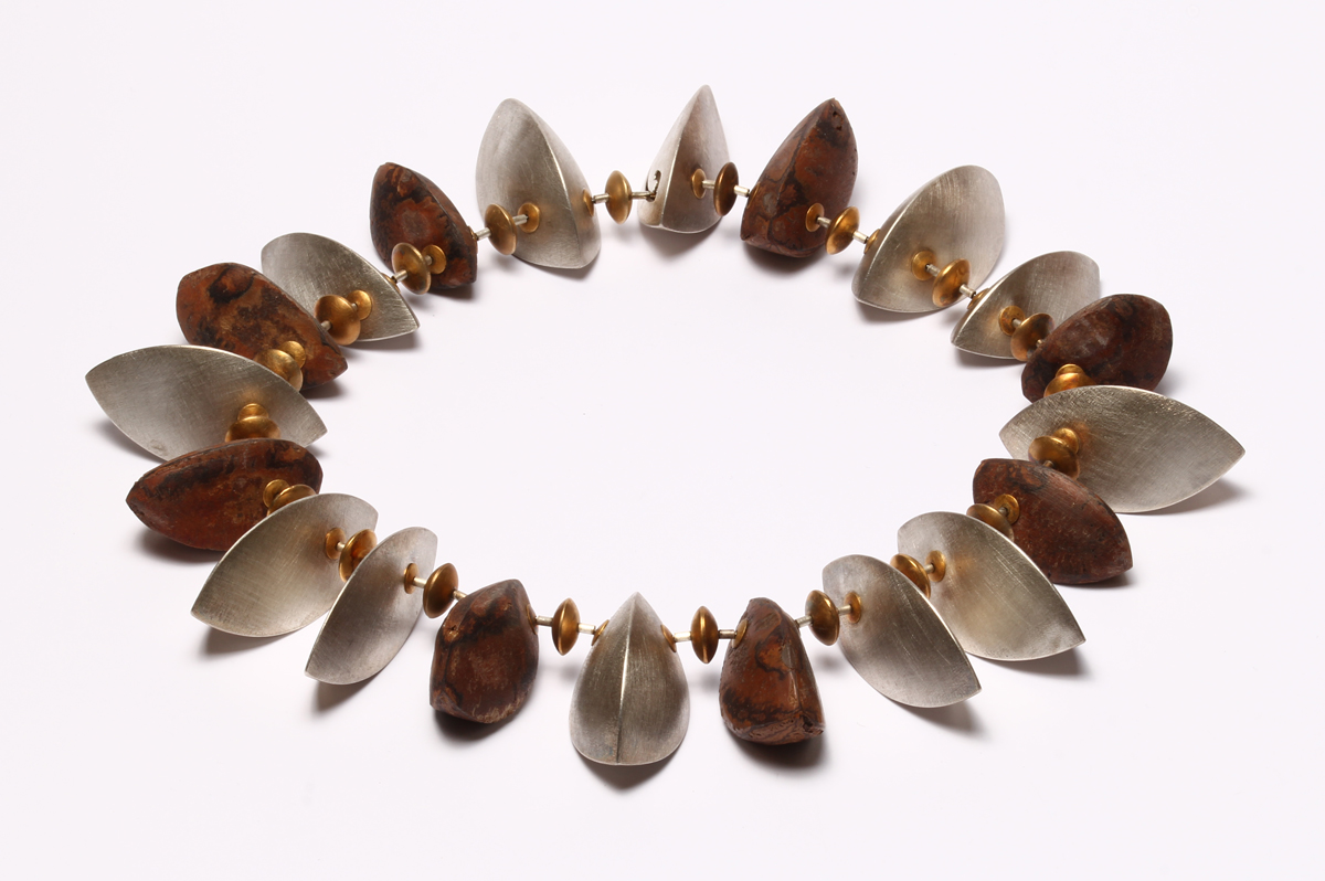 Lucas Küpper, Kette Paranuss, Silber, 750 Gold