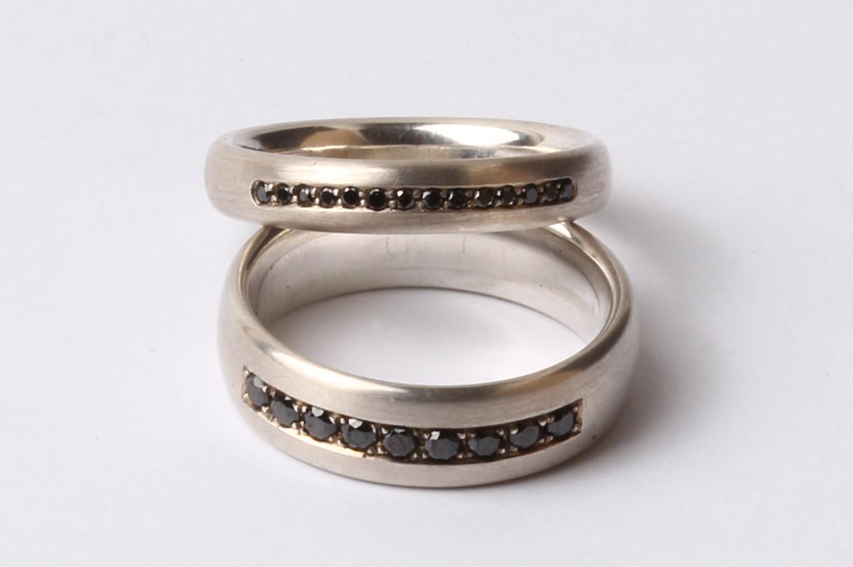 Schmuck-Raum, Silber, schwarze Diamanten, Fadenfassung